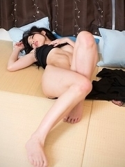 Shino Aoi bares her pussy and bangs it with a very hot-looking toy on cam
